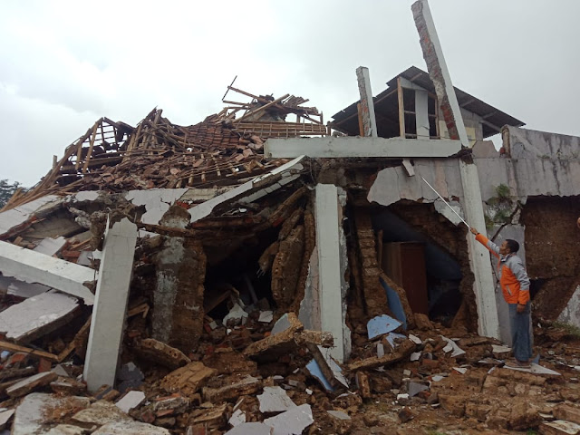 Sejumlah Rumah Rusak Setelah Sukabumi Diguncang Gempa Dua Kali