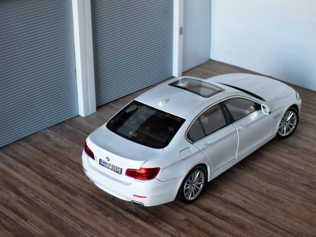 diecast hobby norev bmw 5 series 1 18. Black Bedroom Furniture Sets. Home Design Ideas