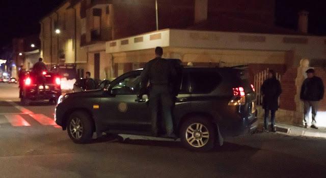 Tres personas, dos de ellas agentes de la Guardia Civil, han muerto este jueves durante un tiroteo en la localidad turolense de Albalate del Arzobispo