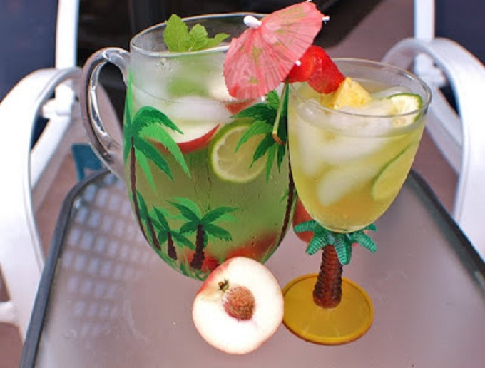 this is how to make a white peach Sangria for Cinco De Mayo