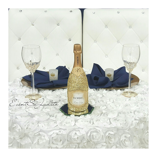 royal prince baby shower, eventsojudith, baby boy baby shower idea,, blue napkin fold, gold chargers, gold blottle