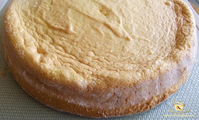Blat de tort din trei ingrediente