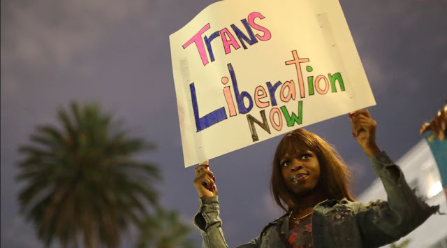 La Corte Suprema frena a Trump y defiende los derechos de trabajadores LGBT