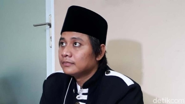 Curhat Abah Cijeungjing Videonya Nikah Lagi Viral, Istri Nangis-Penghapus Dosa