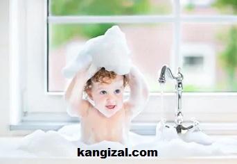 Cara mengajarkan anak mandi sendiri-kangizal