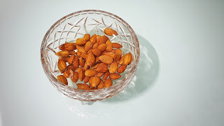 Almonds,nuts,dry fruits