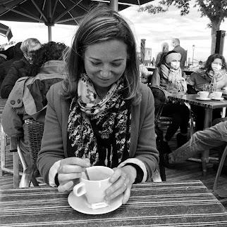 Hello, moi c'est Mélanie alias Scarlett, l'auteur de ce blog et la créatrice de Tête de Coucou!