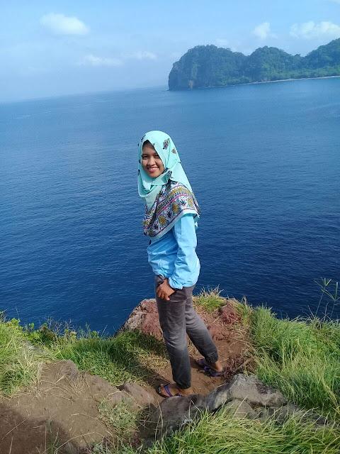 Saung Tungku Pulau Sangiang Banten