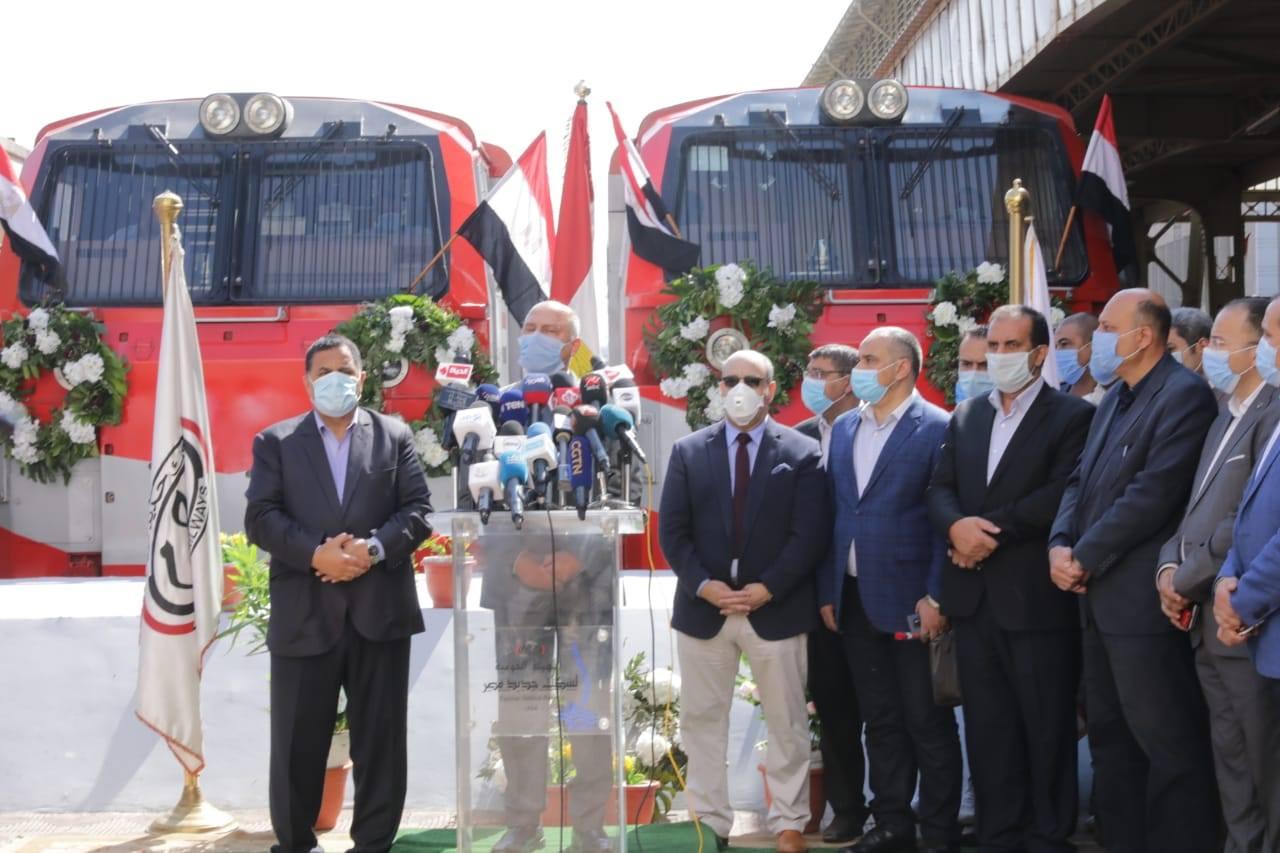 بالصور ..وزير النقل يشهد الانطلاقة الجديدة لقطارات السكك الحديدية عالية المستوى والتي ترتكز على تقديم أعلى مستوى من الخدمات لجمهور الركاب
