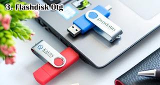 Flashdisk Otg merupakan salah satu aksesoris handphone yang cocok dijadikan souvenir