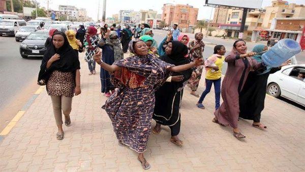 Disuelven consejo militar sudanés para iniciar transición