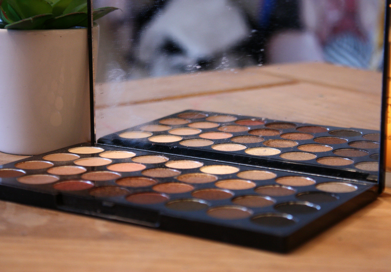 Holiday Make-Up Essentials Make Up Revolution 32 Shade Palette Flawless