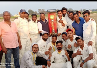 Jaunpur : क्रिकेट मुकाबले में एसराज हड्डी क्लीनिक ने किया खिताब पर कब्जा