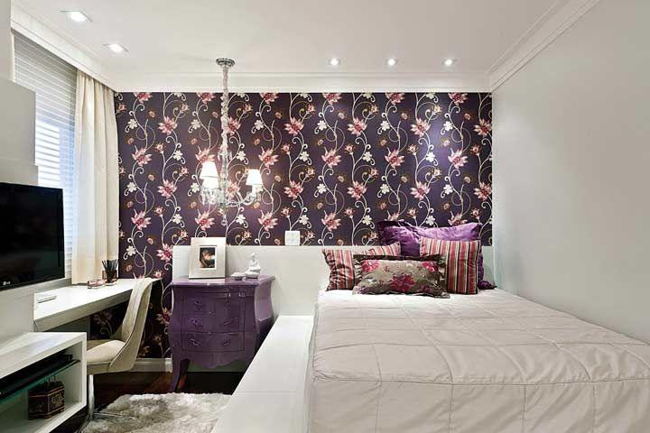 Wallpaper is ideal for those who want to change their look and spend little.