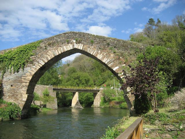 A Ponte Vella en Navia de Suarna, Os Ancares