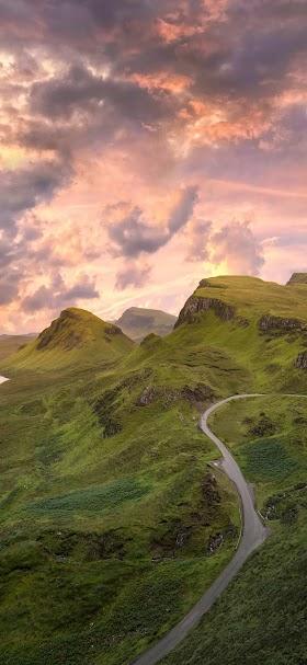 Road on green mountain wallpaper