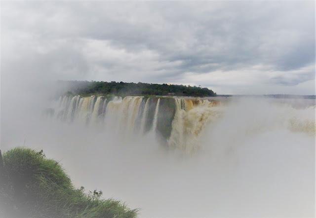 Teufelsschlund Iguazu Wasserfälle