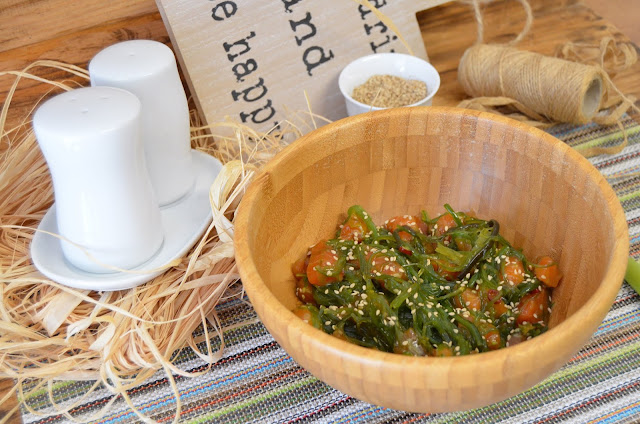 ensalada de algas, ensalada de wakame, ensalada de wakame y salmón, ensaladas, ensaladas recetas, recetas ensaladas, salmón, wakame, wakame ensalada, wakame Mercadona, wakame receta, wakame salad, las delicias de mayte,