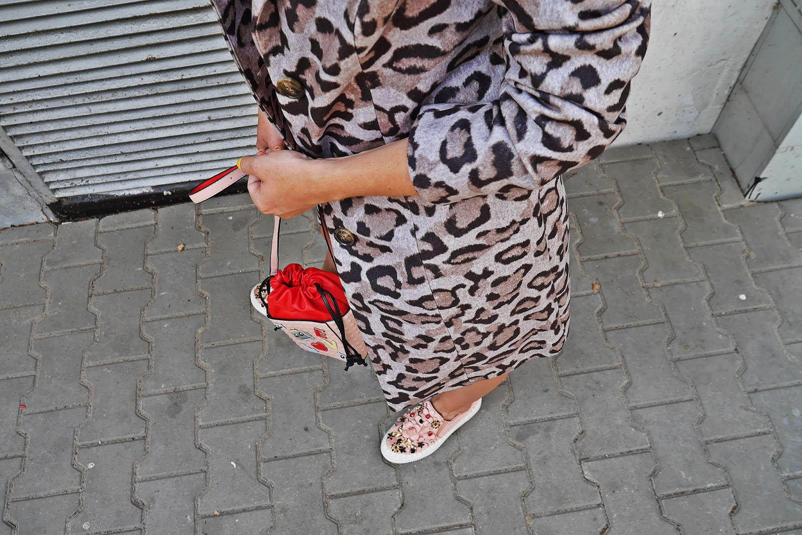 szary płaszcz w panterkę bonprix karyn blog modowy
