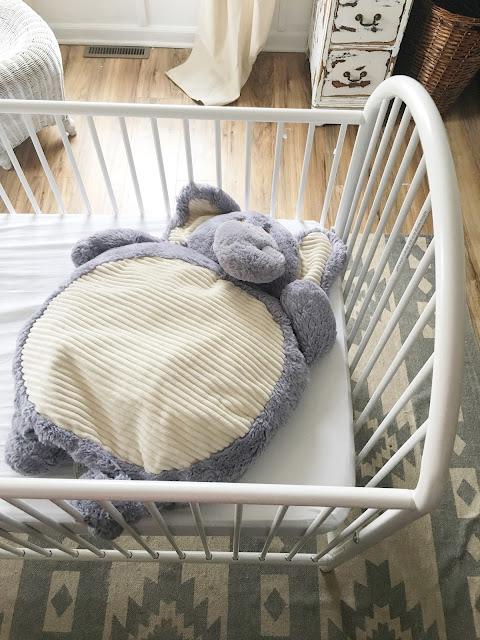 white crib white bedding
