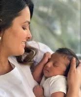 अनीता हसनंदानी अपने बेटे के साथ