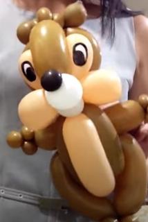 Comicfigur A-Hörnchen als Ballonfigur.