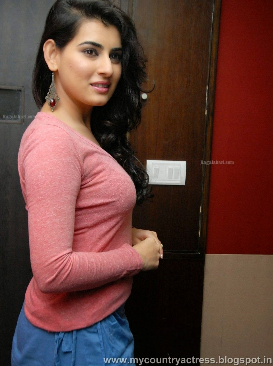 veda archana in full sleeve pink t shirt