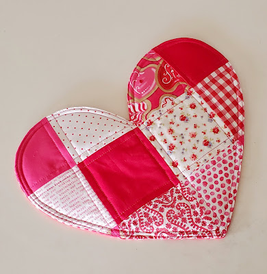 DIY patchwork heart trivet, free tutorial for valentine's, by refabulous, scrap buster