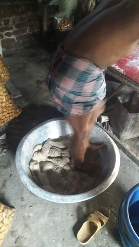 using legs to prepare pani puri recipe - awareness in tamil