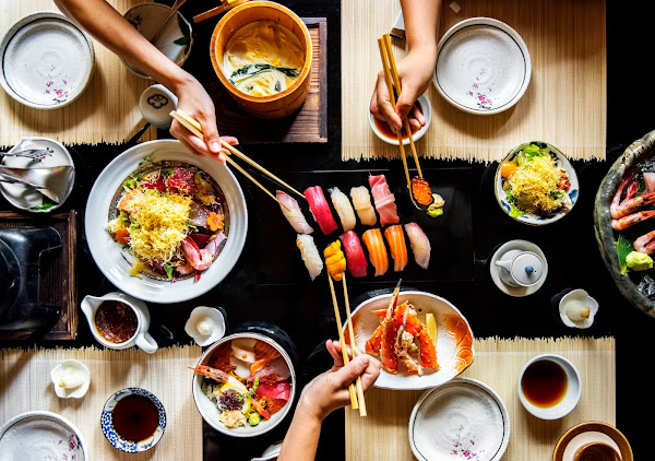 Japanese dishes, sushi, rice, lobster