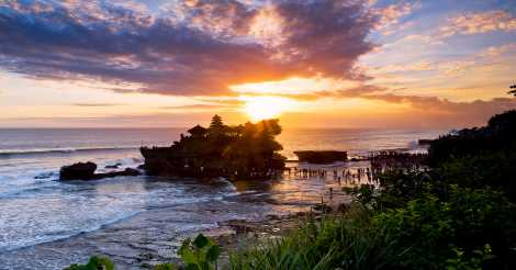 Beach Sunset di Tanah Lot
