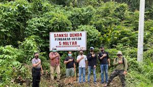 Giat Unit Reskrim Polsek Muara Siau Laksanakan Pemasangan Plang Karhutla
