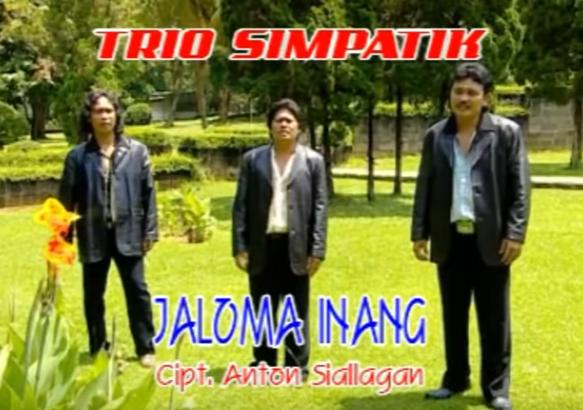 Lirik Lagu Batak Parumaen Napogos SIMPATIK TRIO - berikut ini lirik lagu batak dari simpatik trio dengan judul lagu batak parumaen napogos sudah terpopuler