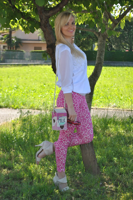 outfit leggings stampati come abbinare i leggings stampati leggings felicia magno outfit primaverili outfit marzo 2017 mariafelicia magno fashion blogger colorblock by felym fashion blog italiani fashion blogger italiane blogger italiane di moda blog di moda influencer italiane