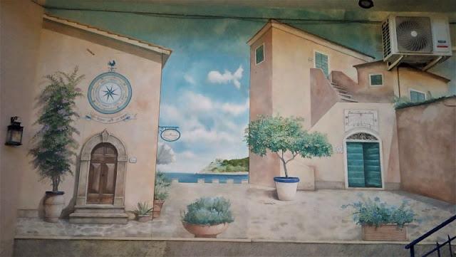 murales nel centro storico di procchio