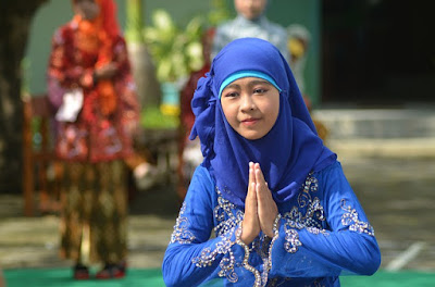 Etika Muslimah Sehari-hari