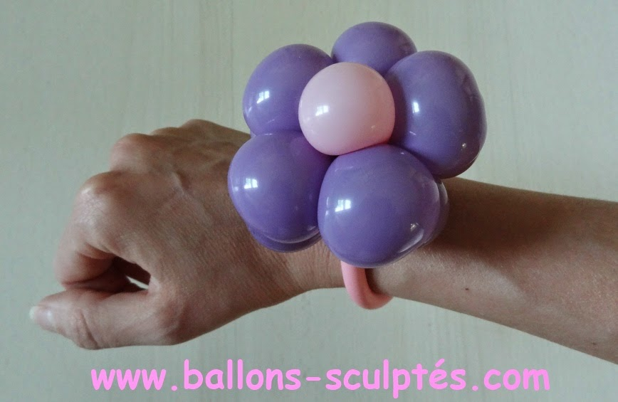 Bracelet fleurs en ballons