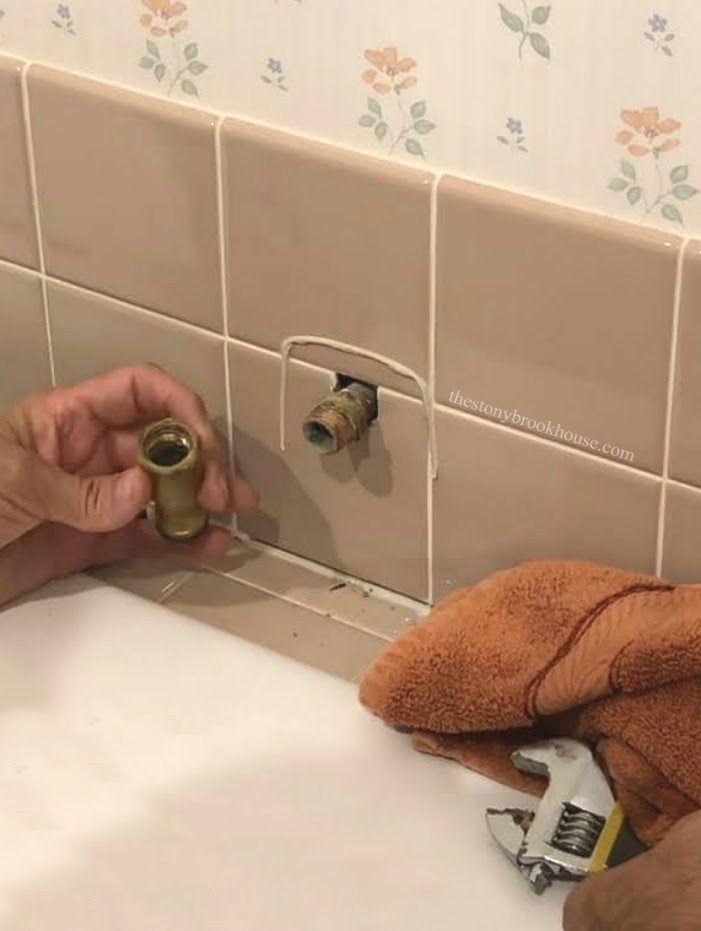 Jacuzzi tub spout off