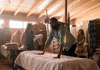 Karen Bethzabe and Colman Domingo in Fear the Walking Dead Season 3 (15)