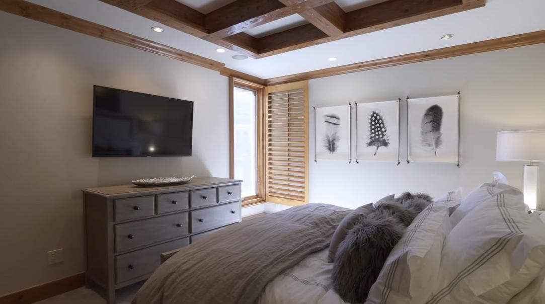 18 Interior Design Photos vs. 124 Willow Bridge Rd #B-3F, Vail, CO Luxury Condo Tour