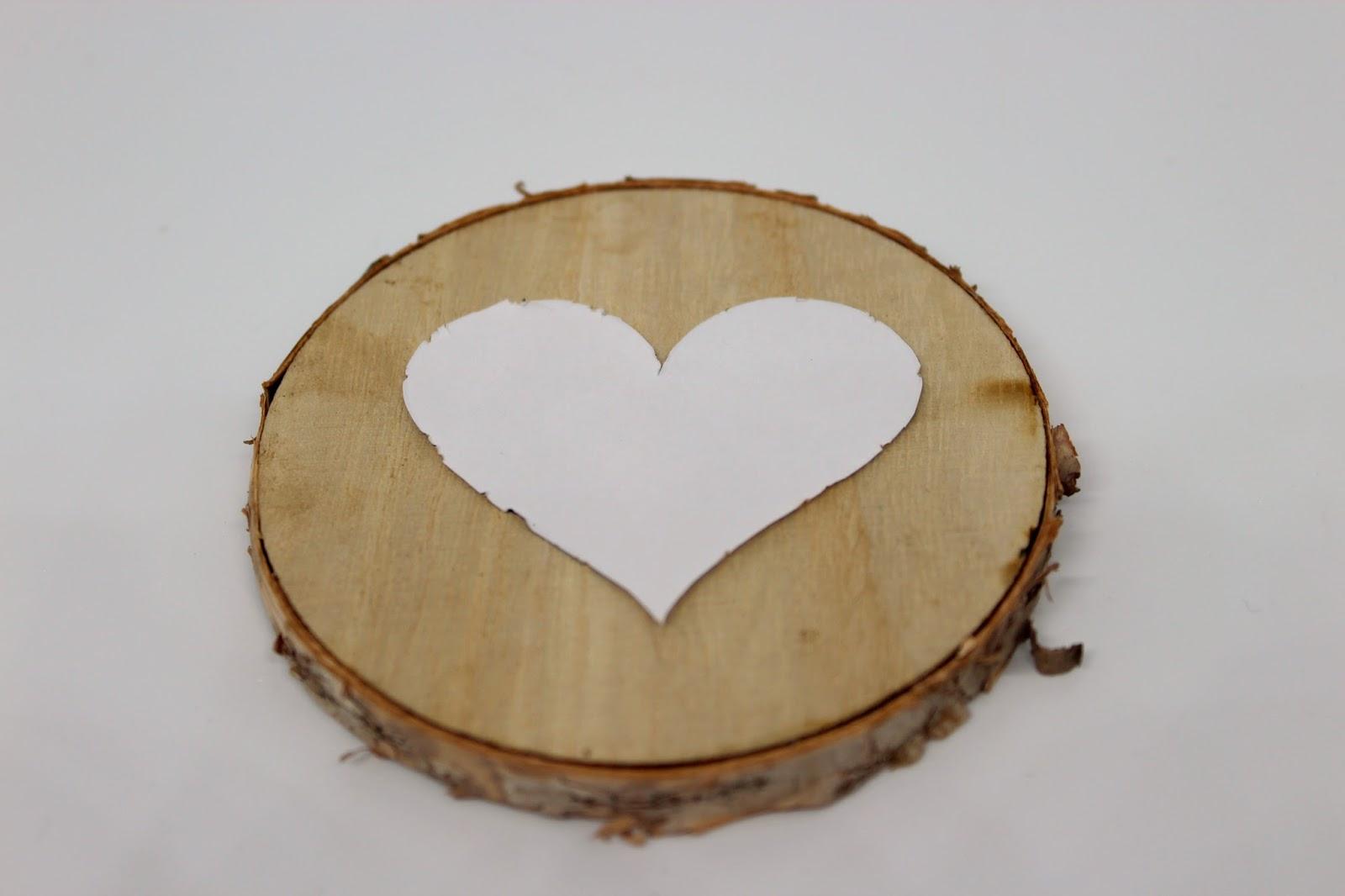 DIY, Basteln: Geschenk Zum Valentinstag Baumscheibe Mit Wollherz, Geschenke  Und Geschenkideen   DIYCarinchen