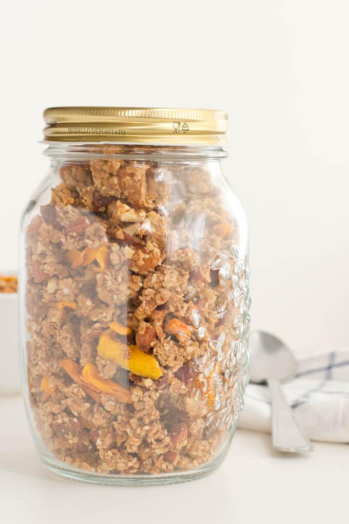 Make Granola via danceofstoves.com #vegan #recipes #baking