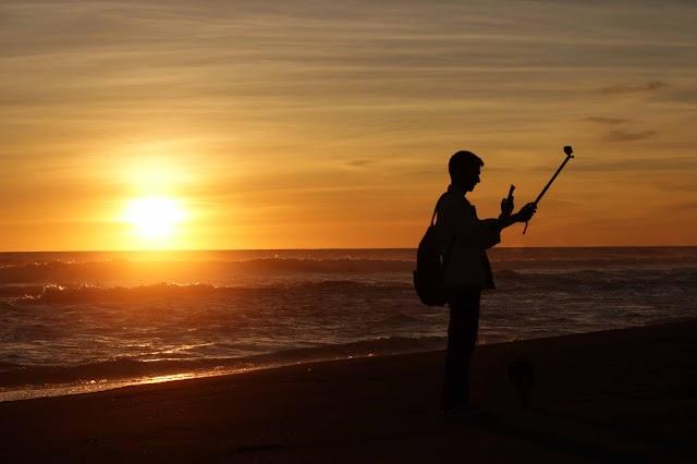 Indahnya Sunset di Pantai Ketawang Indah