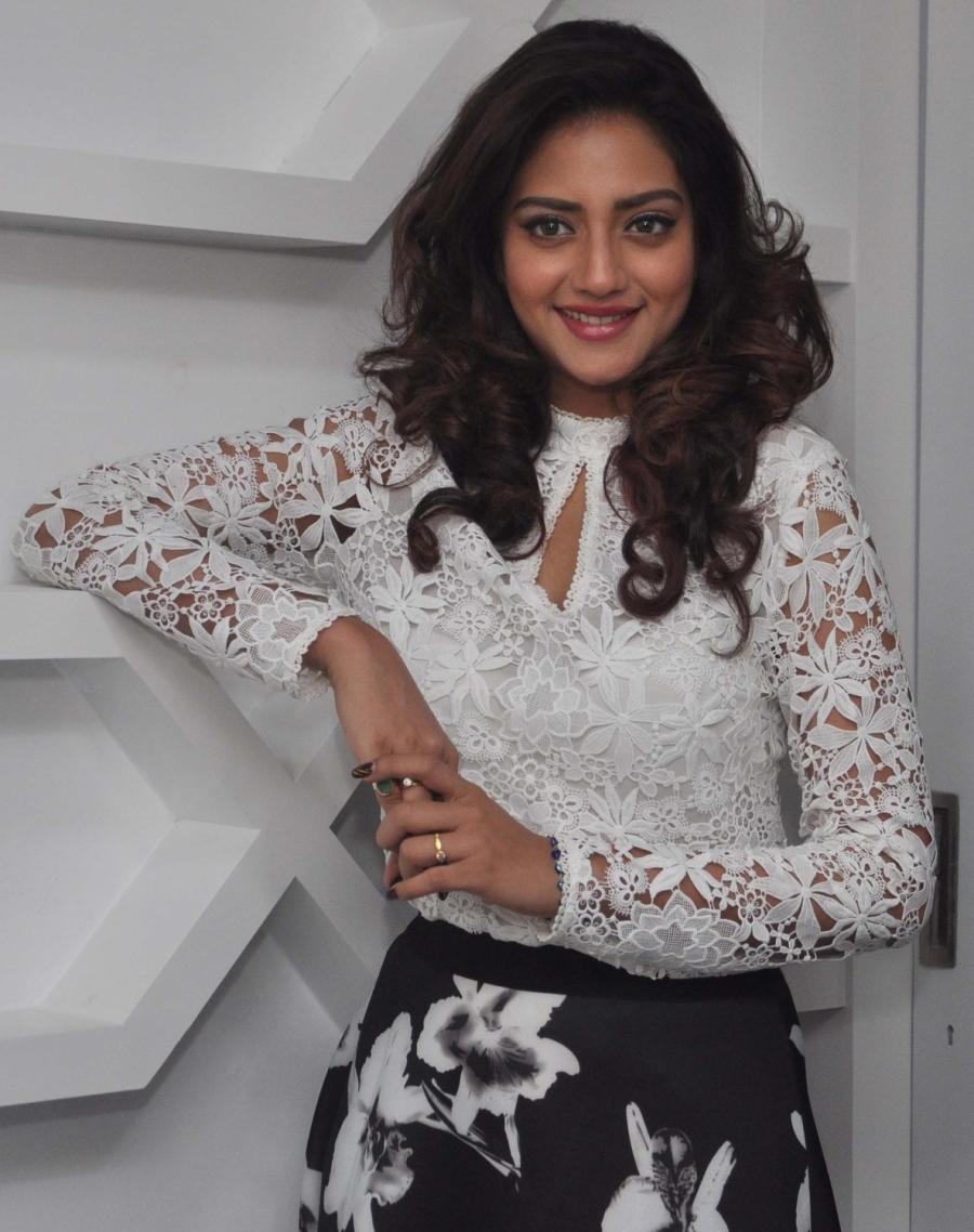 Bengali Film Actress Nusrat Jahan In White Top At Kolkata Salon Spa launch