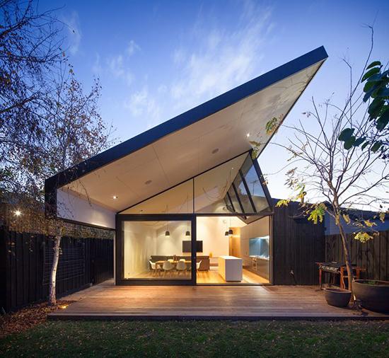 rumah minimalis dengan atap atap rumah unik