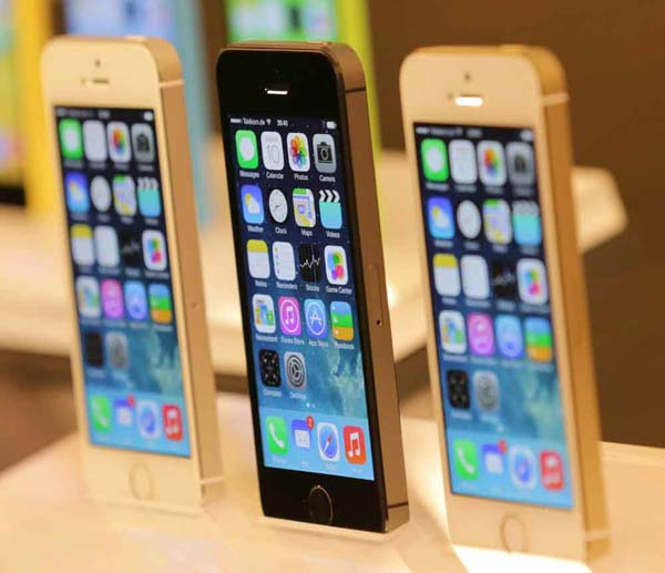 iphone 5s 32gb price in india apple iphone 5s amp iphone 5c features price 19320