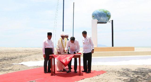 Presiden Jokowi Resmikan Tugu Titik Nol Islam Nusantara