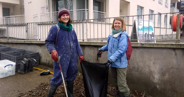 2 women, litter picking