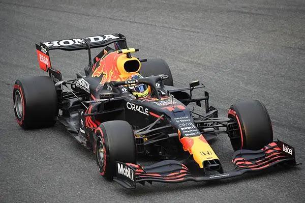Checo Pérez prácticas GP Rusia