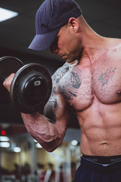 أفضل 10 حقائق لبناء العضلات يجب أن تعرفها